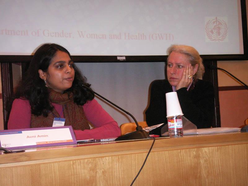 Dña. Arwin Amin, de la OMS junto con Dña. Elisa Grau